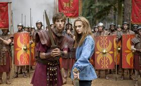 Horrible Histories: The Movie mit Emilia Jones und Sebastian Croft - Bild 1