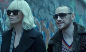 Atomic Blonde mit James McAvoy und Charlize Theron - Bild 1