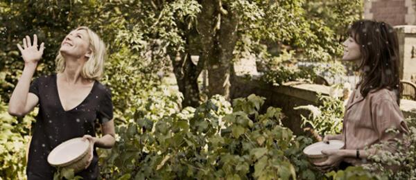 Kirsten Dunst und Charlotte Gainsbourg in Melancholia