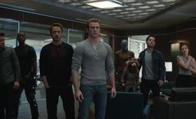 Avengers 4: Endgame mit Robert Downey Jr., Scarlett Johansson, Jeremy Renner, Chris Evans, Paul Rudd und Don Cheadle - Bild 1