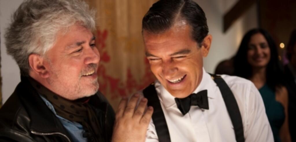 Pedro Almodóvar & Antonio Banderas am Set zu Die Haut, in der ich wohne