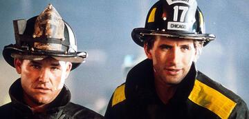 William Baldwin und Kurt Russell in Backdraft - Männer, die durchs Feuer gehen