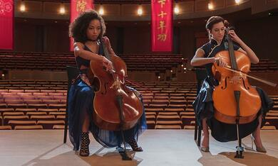 The Perfection mit Allison Williams und Logan Browning - Bild 7