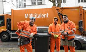 Die Drei von der Müllabfuhr - Dörte muss weg mit Uwe Ochsenknecht, Daniel Rodic, Jörn Hentschel und Rainer Strecker - Bild 4