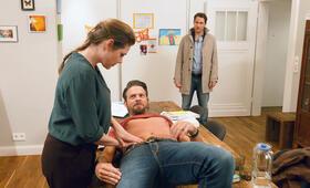 Väter - Allein zu Haus: Mark mit Felicitas Woll, David Rott und Daniel Buder - Bild 8