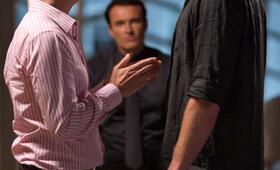 Paranoia - Riskantes Spiel mit Gary Oldman und Liam Hemsworth - Bild 9