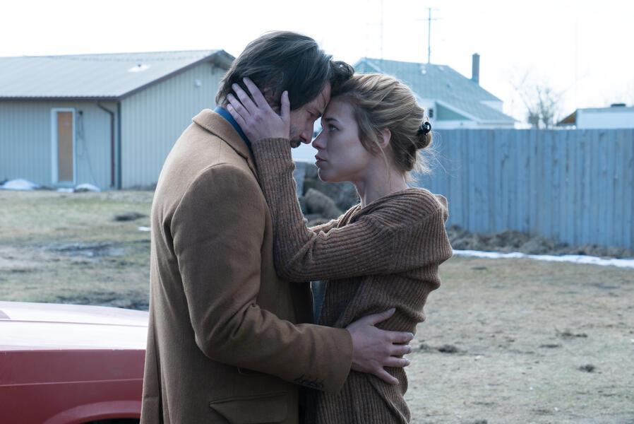Siberia mit Keanu Reeves und Ana Ularu