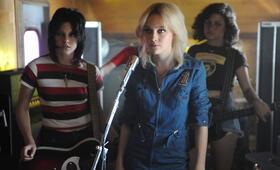 The Runaways mit Kristen Stewart und Dakota Fanning - Bild 80