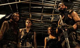 Riddick mit Dave Bautista und Katee Sackhoff - Bild 5