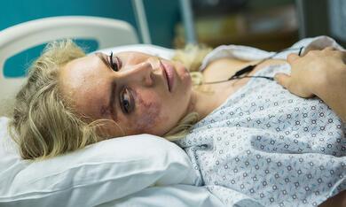 Between Worlds mit Penelope Mitchell - Bild 4
