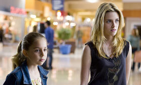Kristen Stewart in In the Land of Women - Bild 149