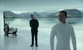 Alien: Covenant mit Michael Fassbender und Guy Pearce - Bild 3