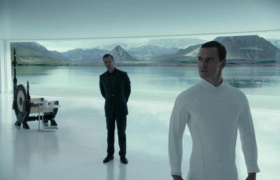 Alien: Covenant mit Michael Fassbender und Guy Pearce