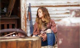 The Last Survivors mit Haley Lu Richardson - Bild 9