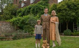 Goodbye Christopher Robin mit Margot Robbie, Domhnall Gleeson und Will Tilston - Bild 29