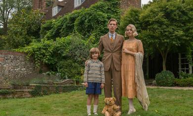 Goodbye Christopher Robin mit Margot Robbie, Domhnall Gleeson und Will Tilston - Bild 12
