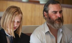 A Beautiful Day mit Joaquin Phoenix und Ekaterina Samsonov - Bild 46
