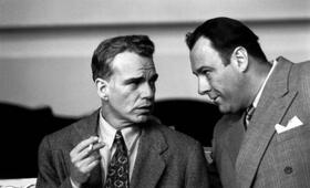 The Man Who Wasn't There mit James Gandolfini und Billy Bob Thornton - Bild 1