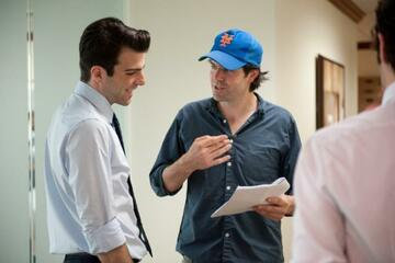 "v.l. Zachary Quinto & J.C. Chandor am Set von ""Margin Call"""