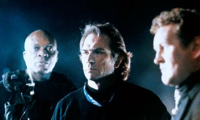 Alarmstufe: Rot mit Tommy Lee Jones und Colm Meaney - Bild 9