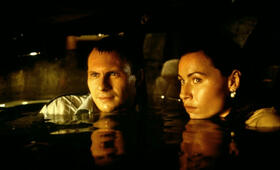 Hard Rain mit Christian Slater und Minnie Driver - Bild 2