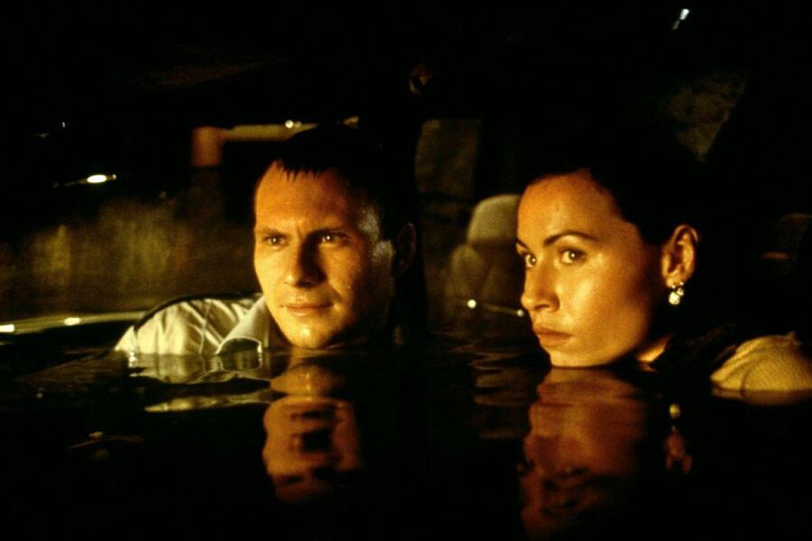 Hard Rain mit Christian Slater und Minnie Driver