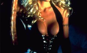 Barb Wire mit Pamela Anderson - Bild 2