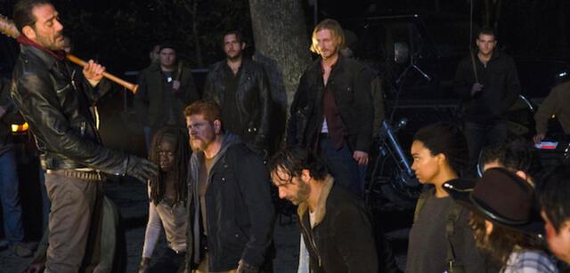 The Walking Dead So Spannen Die Produzenten Die Fans Bis