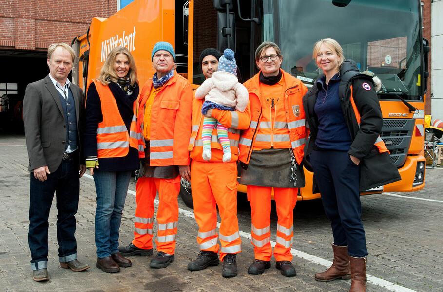 Die Drei von der Müllabfuhr - Baby an Bord mit Uwe Ochsenknecht, Daniel Rodic, Rainer Strecker, Bettina Schoeller und Jörn Hentschel
