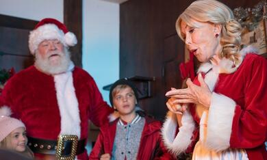 Dear Santa - Eine Reise zum Nordpol mit Barbara Eden und Erick Devine - Bild 2