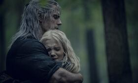 The Witcher, The Witcher - Staffel 1 mit Henry Cavill und Freya  Allan - Bild 9
