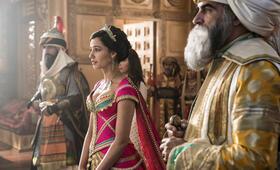 Aladdin mit Naomi Scott und Navid Negahban - Bild 18