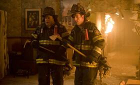 Chuck und Larry - Wie Feuer und Flamme mit Kevin James und Adam Sandler - Bild 98