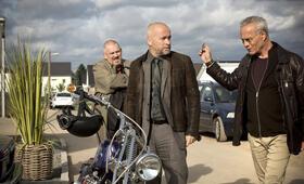 Tatort: Bombengeschäft mit Dietmar Bär, Klaus J. Behrendt und Thomas Darchinger - Bild 31