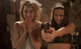 Knock Knock mit Ana de Armas und Lorenza Izzo - Bild 25