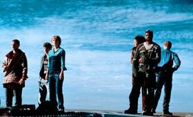 Pitch Black - Planet der Finsternis mit Radha Mitchell, Claudia Black, Cole Hauser, Rhiana Griffith, John Moore und Lewis Fitz-Gerald - Bild 18