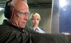Tatort: Gefangen mit Anna Brüggemann und Klaus J. Behrendt - Bild 3