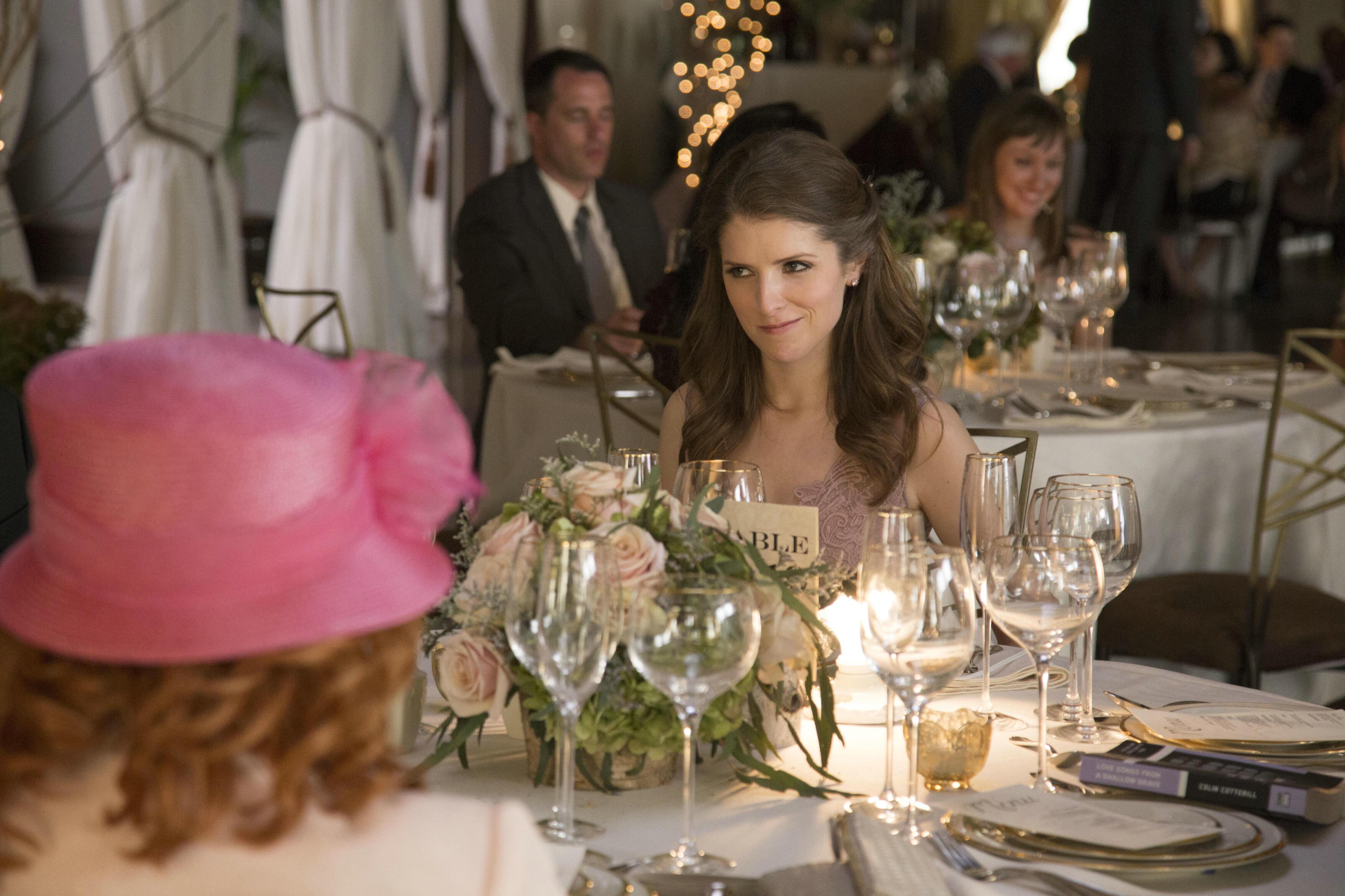 Table 19 liebe ist fehl am platz bild 21 von 38 for Table 9 movie