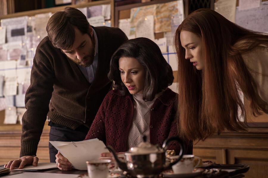 Outlander Staffel 3 mit Caitriona Balfe, Richard Rankin und Sophie Skelton