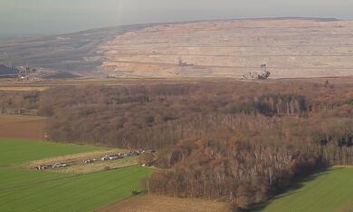 Die rote Linie - Vom Widerstand im Hambacher Forst - Bild 1