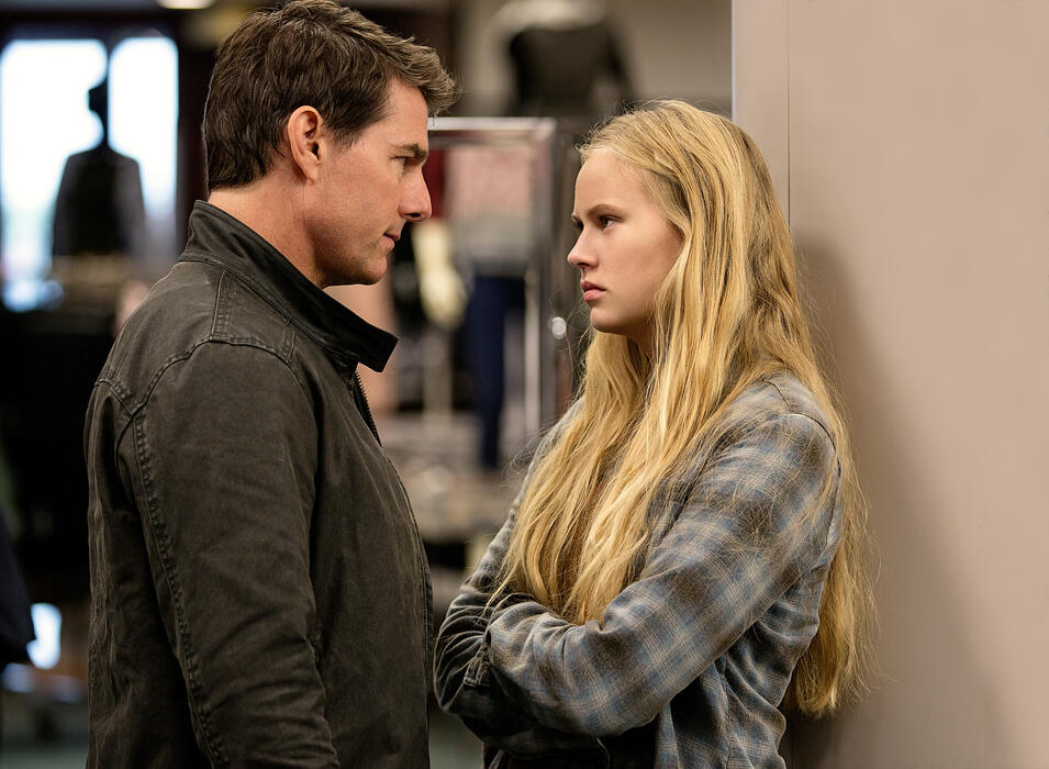 Jack Reacher 2 - Kein Weg zurück mit Tom Cruise und Danika Yarosh