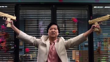 Ken Jeong in der Folge Modern Warfare von Community