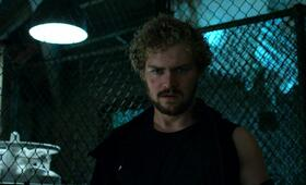 Marvel's Iron Fist, Marvel's Iron Fist Staffel 1 mit Finn Jones - Bild 2