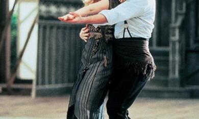 Chaplin mit Robert Downey Jr. - Bild 1