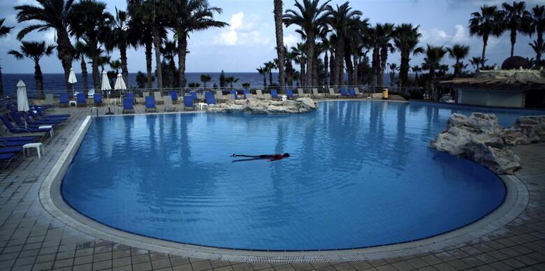 Palace Beach Hotel