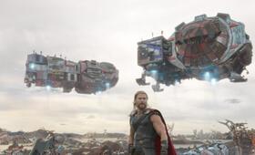 Thor 3: Ragnarok mit Chris Hemsworth - Bild 72