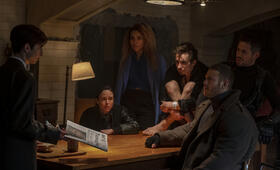 The Umbrella Academy, The Umbrella Academy - Staffel 1 mit Ellen Page, Robert Sheehan, Tom Hopper und Aidan Gallagher - Bild 12