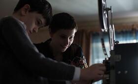 Sieben Minuten nach Mitternacht mit Felicity Jones und Lewis MacDougall - Bild 4