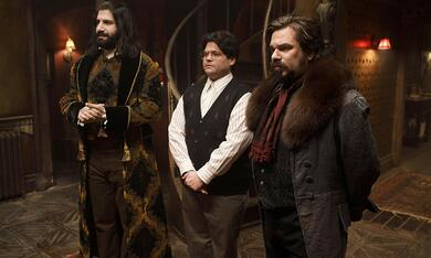 What We Do in the Shadows, What We Do in the Shadows - Staffel 1 mit Matt Berry, Harvey Guillen und Kayvan Novak - Bild 11