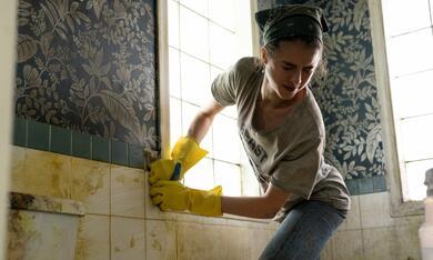 Maid, Maid - Staffel 1 mit Margaret Qualley - Bild 7